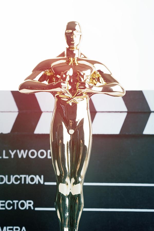 Oscar Statues Getting High in Hollywood
